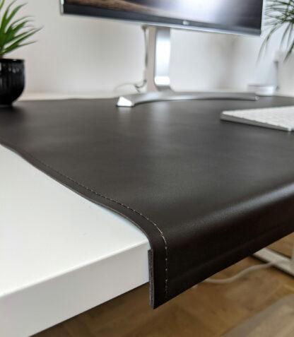 Ergonomiczna klapa skórzana na krawędź stołu
